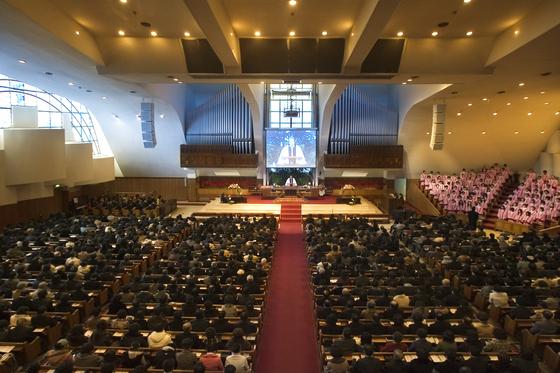 등록 교인 수가 8만 명에 달하는 대형교회인 소망교회의 예배 모습. [중앙포토]