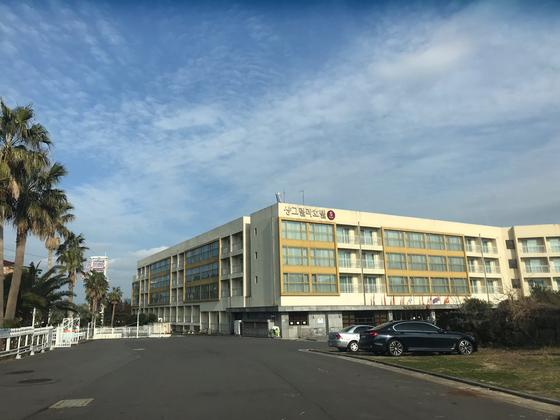 오는 4월 10일까지 중국인 유학생들이 임시로 생활하게 될 제주시 샹그릴라 호텔 전경. 최충일 기자