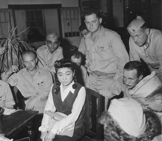 반세기 만에 드러난 심리전의 진실…도쿄 로즈에 넘어간 미군병사