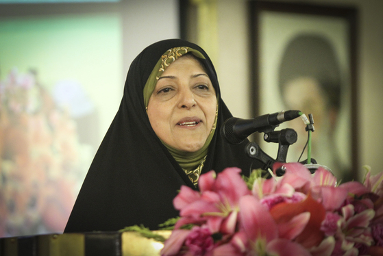 지난 3일 이란 이스파한의 한 행사에서 연설하고 있는 마무메 엡데카르 이란 부통령. [신화=연합뉴스]