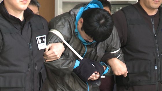 이희진의 부모를 살해한 혐의로 구속된 김다운. JTBC 화면 캡처