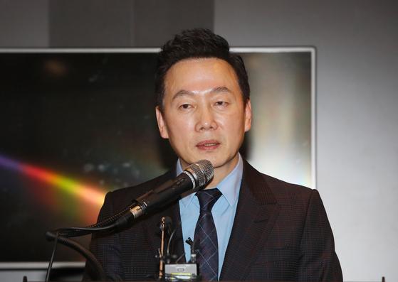 정봉주 전 더불어민주당 의원이 28일 서울 여의도 한 호텔에서 열린민주당 창당을 발표하고 있다. 연합뉴스