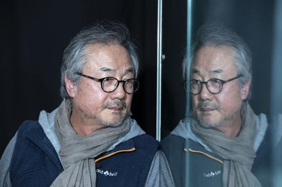 """배우 정동환은 '끝없이 도전하는 것이 올바른 것""""이라고 했다. 권혁재 사진전문기자"""
