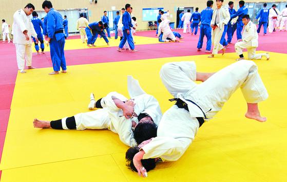 도쿄올림픽을 앞두고 진천선수촌에서 한창 훈련 중인 유도 대표선수들. 김성태 프리랜서