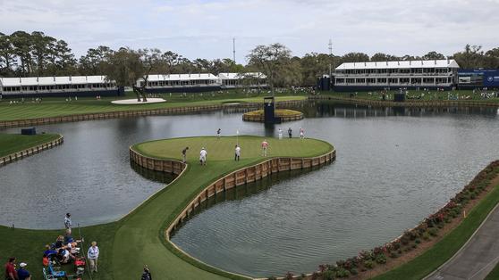 PGA 투어 플레이어스 챔피언십이 열리는 미국 플로리다주 폰테 베드라 비치의 TPC 소그래스 17번 홀. [EPA=연합뉴스]