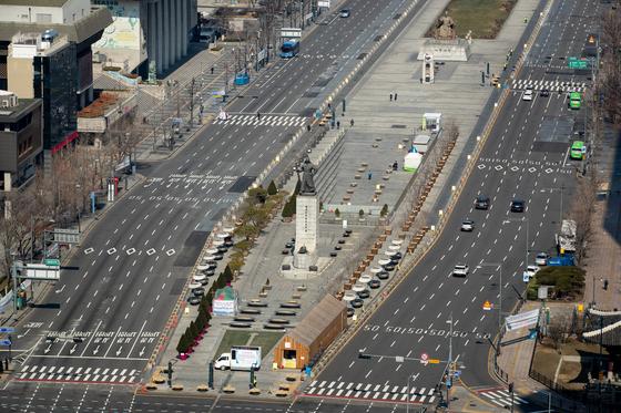 3월 8일 한산한 서울 광화문광장 일대 [뉴스1]