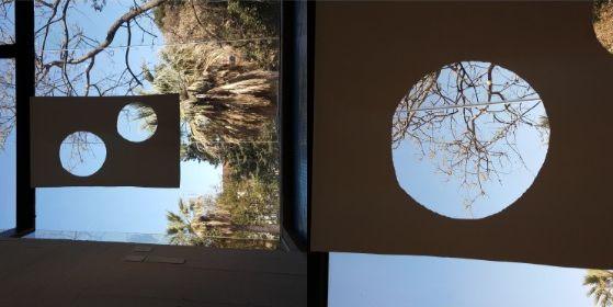 스페인 바르셀로나의 호안 미로 미술관에서 오노 요코의 작품을 만났다. '페인팅 투 시 더 스카이즈(Painting to See the Skies'라는 작품이다. 활발한 설치 미술가로 활동하고 있는 그는 비틀스의 멤버였던 존 레논의 연인으로도 유명하다. [사진 강하라]