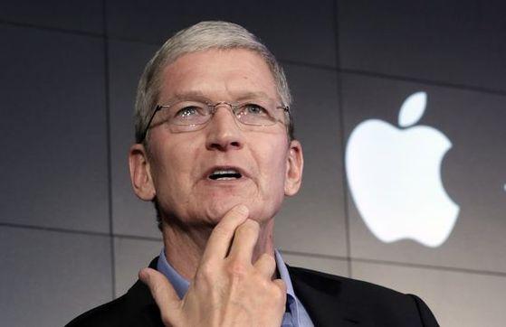 애플이 코로나19로 위기론이 높아지고 있는 가운데 CEO인 팀 쿡 본인이 코로나 감염 위험에 노출된 것으로 드러났다. [사진 애플]