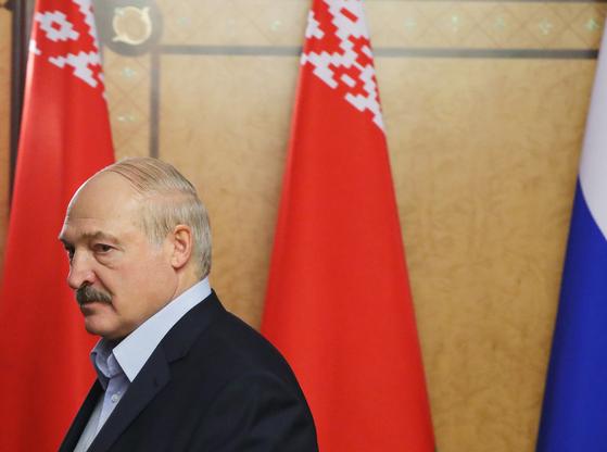 신종 코로나 예방을 위해 보드카를 마시라고 권유한 루카셴코 벨라루스 대통령. [EPA=연합뉴스]