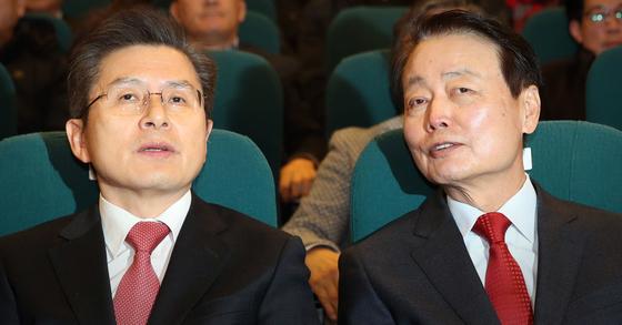 황교안 미래통합당 대표(왼쪽)과 한선교 미래한국당 대표. 연합뉴스