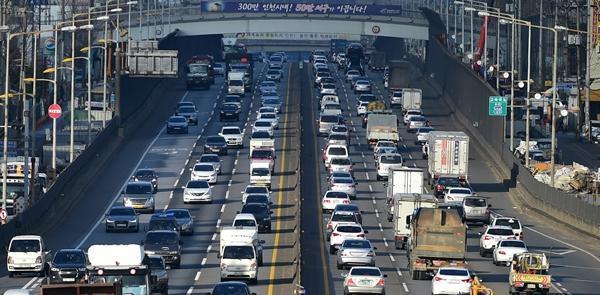 경기도와 인천에서 매일 서울로 통근,통학하는 인구는 150만명에 달한다. [연합뉴스]
