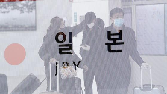 일본의 한국인·중국인 입국제한 조치…4월까지 연장될 듯