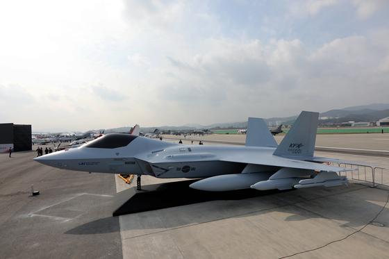 지난해 10월 서울 ADEX 2019에서 최초 공개된 차세대 한국형 전투기(KF-X).[연합뉴스]
