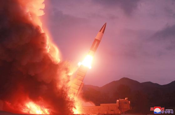 북한이 2019년 8월 10일 함흥 일대에서 발사한 발사체 발사 장면. 조선중앙통신=연합뉴스