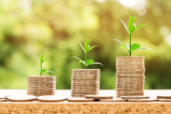 공포의 하락장에서 퇴직연금 가입자가 취해야 할 최선의 행동은 무엇일까. 가장 먼저 떠오르는 것이 적립식 투자가 아닐까 싶다. [사진 Pixabay]