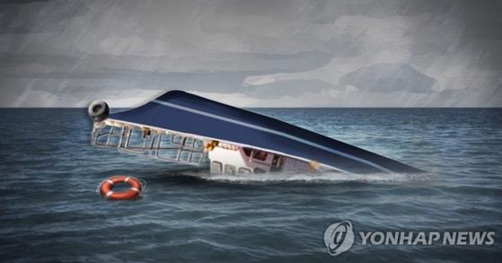 22일 오후 4시 49분 거제시 인근 해상에서 1톤급 선박이 전복됐다. 이 사고로 선장 A씨(81)씨가 숨졌다. 연합뉴스