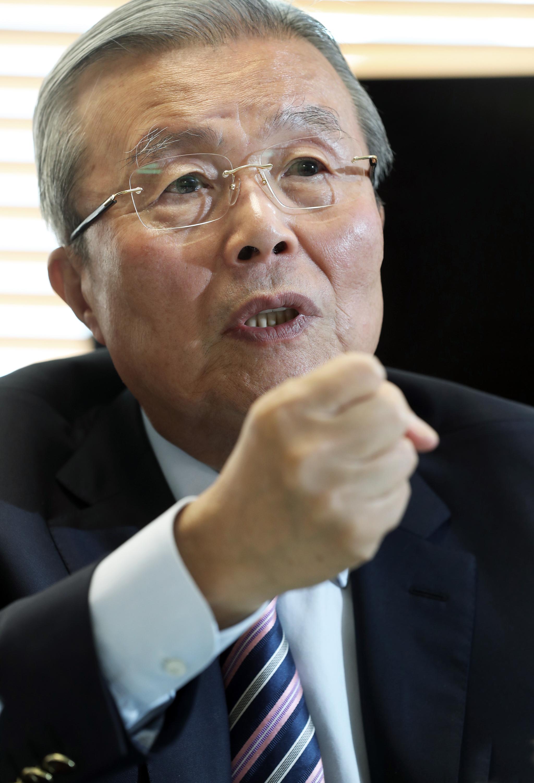김종인 전 더불어민주당 비상대책위원회 대표. 중앙포토