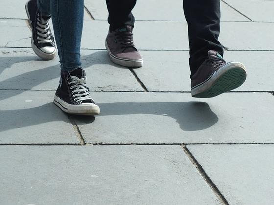 과거의 걷기는 얼마나 에너지를 적게 소비하면서 먼 거리를 이동할 수 있는가 효율성이 관건이었다. 하지만 지금은 오히려 같은 시간에 어떻게 하면 에너지를 많이 소비하면서 걷는가가 중요한 시대다.[사진 pixabay]