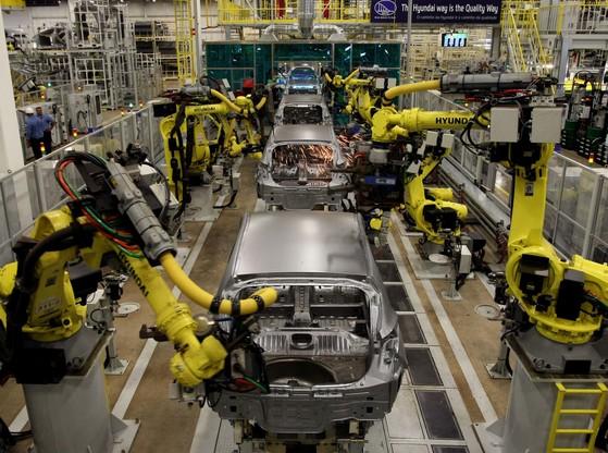 코로나19 여파로 현대자동차 상파울루 공장이 가동을 중단했다. 미국, 유럽에 이어 인도 브라질 등 신흥시장 생산기지까지 타격이 확대하는 상황이다. 연합뉴스