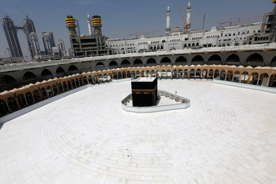 사우디, 이슬람성지 메카·메디나 봉쇄…전국에는 이동 금지령