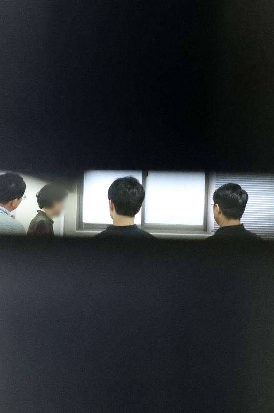 검찰이 지난해 9월 3일 3일 조국 전 법무부 장관의 부인인 정경심 교수가 근무하는 경북 동양대학교에 대한 압수수색을 하고 있는 모습. [뉴스1]