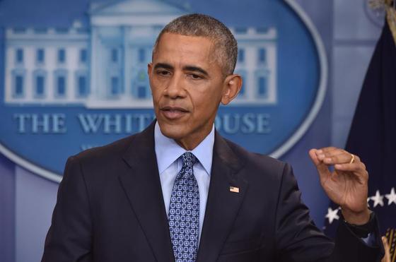 버락 오바마 전 미국 대통령은 임기 첫해인 2009년 7600억 달러를 쏟아부어 실업률을 눈에 띄게 낮췄다.