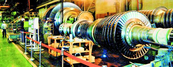 두산중공업 창원 공장의 원전용 터빈. 사진 두산중공업