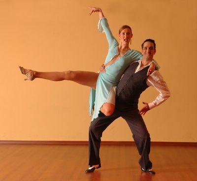 댄스를 오래한 사람들은 균형 감각, 밸런스가 탁월하다. 댄스에서 익힌 남다른 균형 감각은 일상생활에서도 빛을 발한다. [사진 pexels]