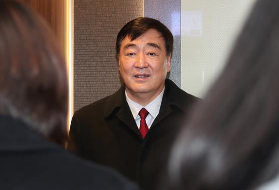지난 2월 26일 서울 도렴동 외교부 청사를 찾은 싱하이밍(邢海明) 주한 중국대사. [연합뉴스]