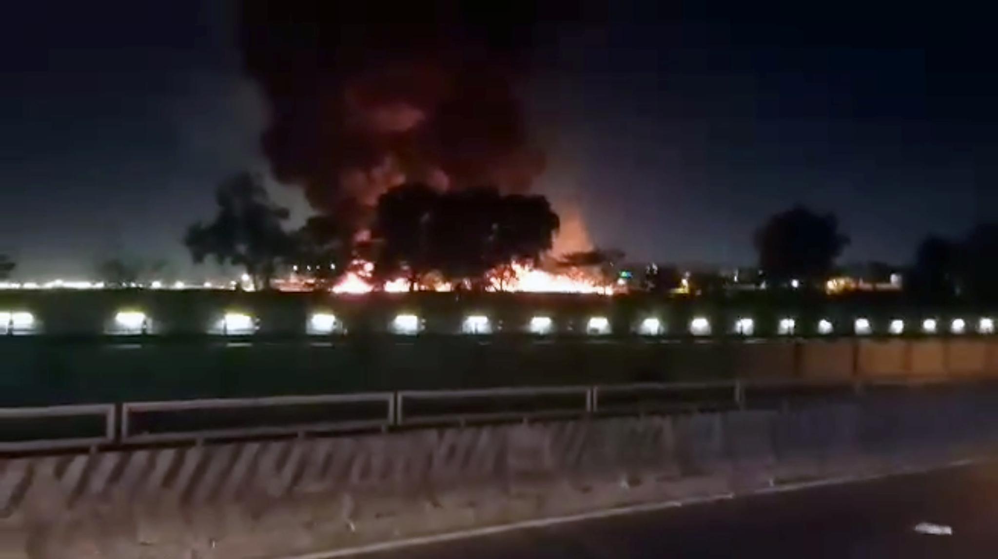 필리핀 마닐라 국제공항에서 29일(현지시간) 오후 8시쯤 환자를 싣고 일본으로 향하던 라이온에어 소속 소형비행기가 활주로 끝부분에서 폭발했다. 연합뉴스