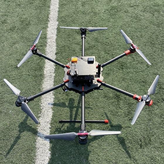 한국전자통신연구원(ETRI)가 개발한 첨단 AI 드론. A등급의 비행안정성을 갖췄다. [사진 ETRI)