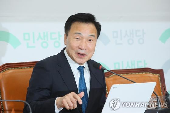 손학규 민생당 상임선거대책위원장이 31일 국회에서 제21대 총선과 관련해 기자회견하고 있다. [연합뉴스]