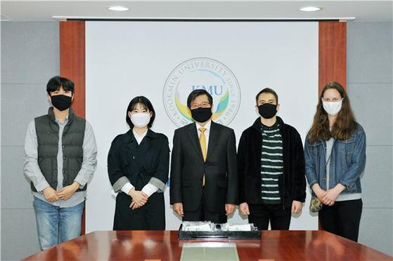 국민대, 코로나 예방 위한 마스크 만들어 교내·지역사회에 배포
