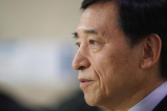 한국은행, 증권사에 직접 돈 빌려주는 방안 검토한다