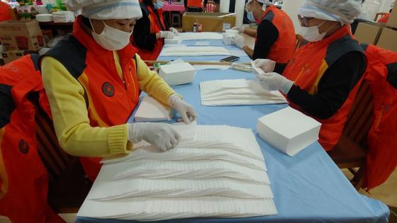 대진국제자원봉사단, 직접 제작한 '착한 마스크' 대진대학교에 3,000장 기증