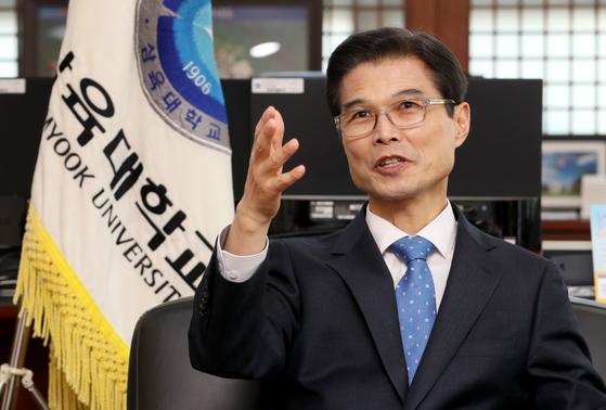 """김일목 총장은 '대학이 지역사회 혁신을 위한 싱크탱크 역할을 해야 한다""""고 말했다. 최정동 기자"""