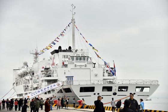 인민해방군 창군 70주년을 맞아 지난해 4월 중국 병원선인 다이샨함이 민간인에게 개방행사를 열었다. [신화통신]