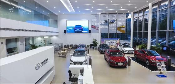 현대자동차그룹이 중국 시장에서의 부진을 만회하기 위해 공격적인 마케팅에 나서고 있다. 베이징현대 딜러 전시장의 모습. [사진 현대자동차그룹]