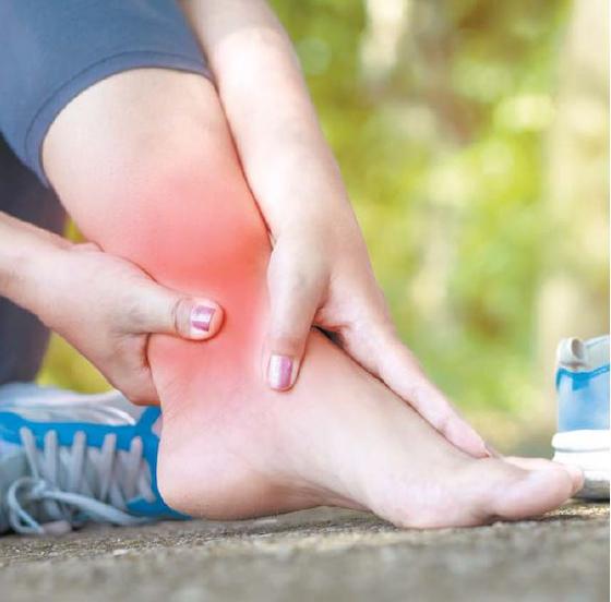 [건강한 가족] 삔 발목엔 통증·부기 없어져도 보호대 2주 이상 착용하세요