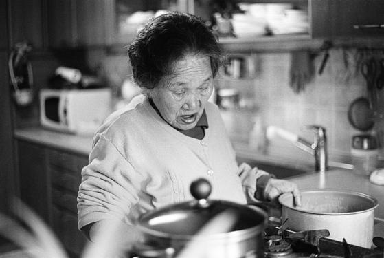 김선기 작가의 사진전 '나의 할머니, 오효순'