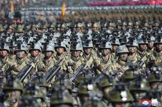 지난 2018년 2월 북한군 창건 70주년 열병식에 등장한 북한군. [조선중앙통신]