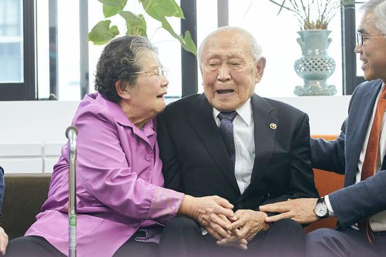 99세 참전용사, 수당 모아 성금 2000만원