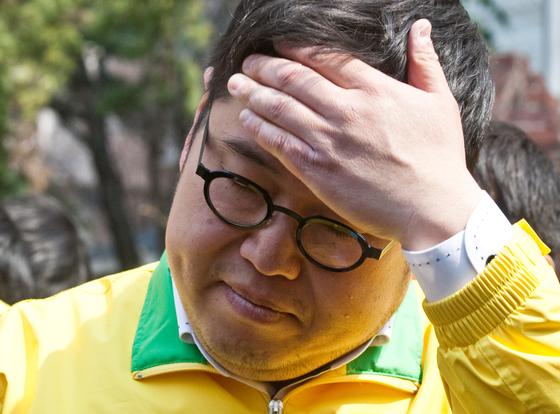 2012년 민주통합당 후보로 서울 노원갑에 출마했던 김용민 당시 후보. [중앙포토]