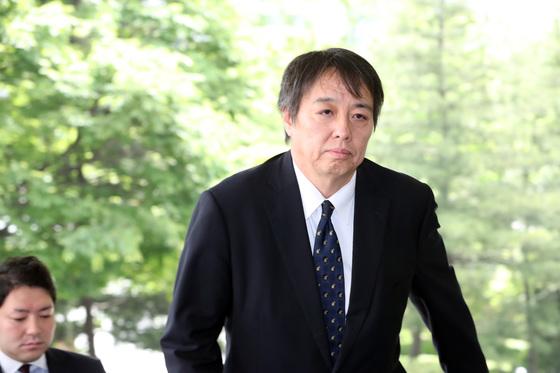미즈시마 고이치 당시 주한 일본대사관 총괄공사가 2018년 독도 영유권 주장과 관련 외교부로 초치되고 있다. [연합뉴스]
