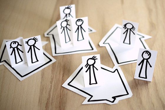 온라인이 일반화한 사회가 되었다고는 하지만 사회적 거리두기는 오프라인의 소중함을 확실하게 일깨워 줬다. 그런 이유로 집에 대한 생각도 공간적 관점과 더불어 관계의 관점에서 많은 생각을 하게 된다. [사진 Pixabay]