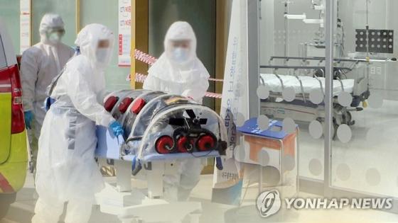 코로나19 사망자 발생. 연합뉴스