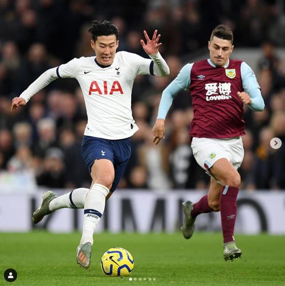 토트넘 손흥민(왼쪽)은 지난해 12월 번리와 프리미어리그 경기에서 79m 드리블을 치고 들어가 원더골을 터트렸다. [사진 토트넘 인스타그램]
