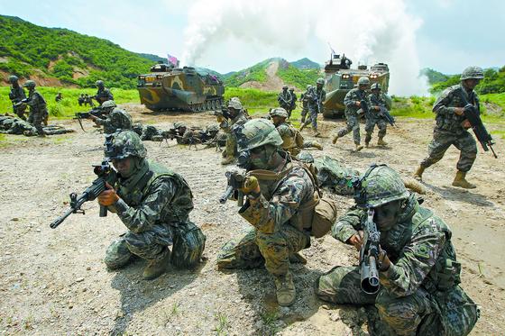 한ㆍ미 해병대 연합 공지전투훈련 모습. [중앙포토]