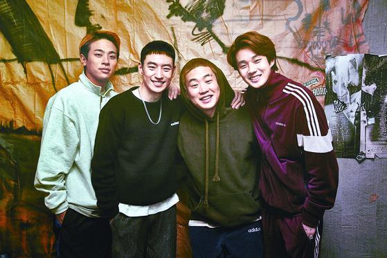 박정민이 장편 데뷔작 '파수꾼'(2011)의 윤성현 감독, 이제훈과 다시 뭉친 신작 영화 '사냥의 시간'.