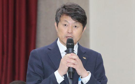 유재수(56) 전 부산시 경제부시장 [중앙포토]